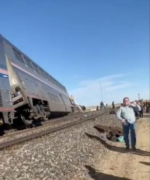 مقتل 3 أفراد إثر خروج قطار عن مساره في مونتانا الأمريكية
