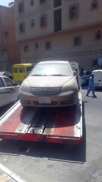 الخبر.. رفع 327 سيارة تالفة خلال شهر