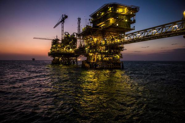 توقعات بارتفاع سعر برميل النفط إلى 90 دولارا نهاية العام