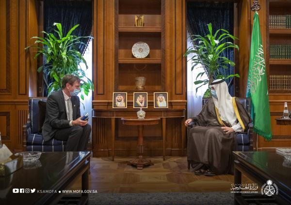 «الجبير» يستعرض العلاقات الثنائية مع السفير النرويجي