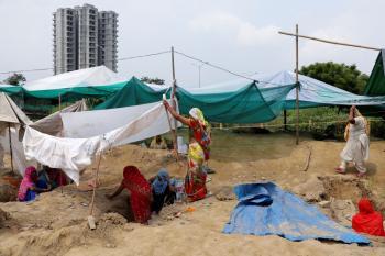 مقتل شخصين وإجلاء عشرات الآلاف جراء إعصار «غولاب» بالهند