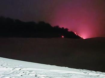 تشكيل لجنة خماسية لمباشرة «حرق الكيابل».. والأزمة البيئية مستمرة