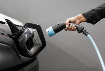 بسبب نقص الوقود.. هجوم على «السيارات الكهربائية» ببريطانيا