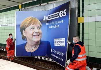ميركل مديرة الأزمات الألمانية تغادر المسرح السياسي بهدوء
