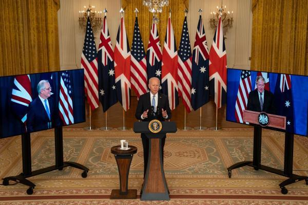 «أوكوس» يطلق سباق تسلح نووي بجنوب آسيا والشرق الأوسط