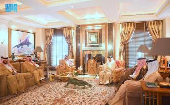 الأمير تركي بن محمد بن فهد ينقل تحيات القيادة لملك البحرين