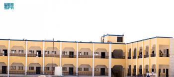 تدشين مدرسة جديدة للطلاب النازحين بمأرب