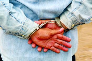 ضبط 6 أشخاص احتجزوا رجلا وامرأتين بهدف الابتزاز