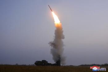 كوريا الشمالية تجري تجربة على صاروخ جديد مضاد للطائرات