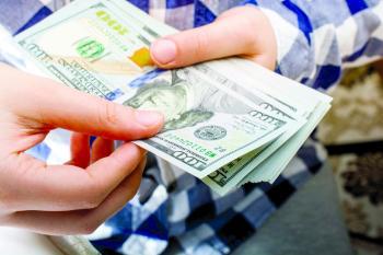 الدولار قرب أعلى مستوياته في 2021