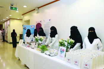 توعية بنمط الحياة الصحي في مركز الأمير سلطان و«صحي الأحساء»