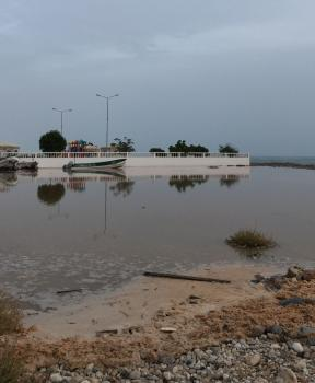 عاجل .. وفاة طفل جراء الإعصار في سلطنة عمان