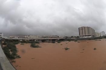 سقوط قتيلين بسبب إعصار «شاهين» في عُمان