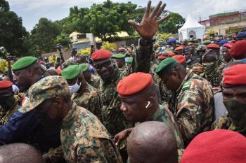 شبكات الفساد والحكم السيئ تعطل الديمقراطية في أفريقيا