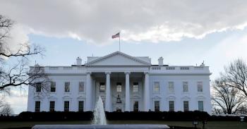 البيت الأبيض يوجه ضربة لـ«فيسبوك»