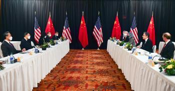 محلل أمريكي يدحض نظرية خوض واشنطن وبكين «حربا باردة»