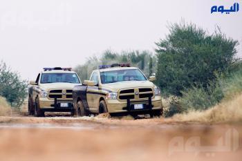 ضبط مخالفَين لـ «البيئة» يقومان بنقل الرمال وتجريف التربة في تبوك