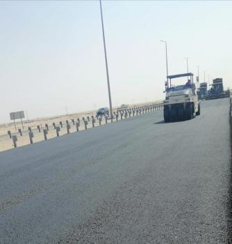 صيانة 23 كم من طريق «البطحاء - الهفوف»