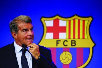 لابورتا: على برشلونة أن يثق في كومان مثلما فعل مع ريكارد