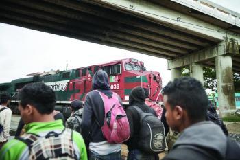 652 مهاجرا في «غرف تبريد»