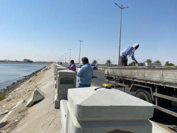 القطيف.. بدء صيانة السور الخرساني لجسر شارع الرياض بطول 2000 م