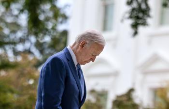 صحيفة أمريكية: الرئيس بايدن يكرر أخطاء سلفه أوباما