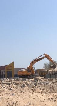 إزالة مبان عشوائية ومستودعات بطريق الملك فهد بالخبر