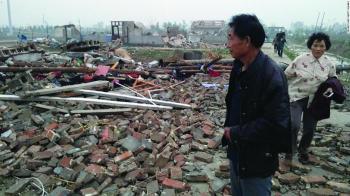 15 قتيلا وتدمير 38 ألف منزل بفيضانات الصين