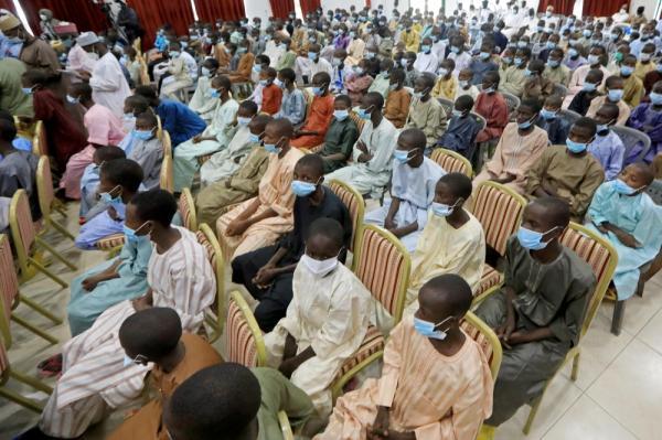 تحرير 90 طالبة ومعلمًا من قبضة العصابات في نيجيريا