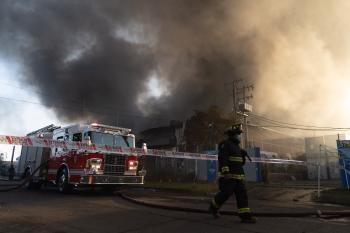 تايوان  .. مقتل شخص وإصابة العشرات في حريق بمبنى