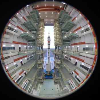 الصين .. إطلاق سفينة الفضاء المأهولة «شنتشو13-» السبت