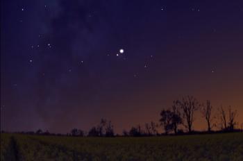 فلكية جدة ترصد اقتران كوكب الزهرة بنجم قلب العقرب