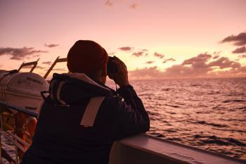 سفينة «سي ووتش3» تنقذ أكثر من 250 مهاجرا غير شرعي