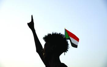 الخلافات تتصاعد في السودان.. مظاهرة تأييدا للجيش في الخرطوم