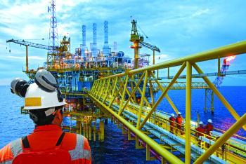 زيادة الطلب تقفز بأسعار النفط 21 %
