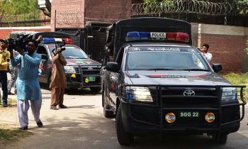 باكستاني يقتل ابنتيه وأطفالهما الأربعة.. لن تصدق السبب!