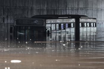 مصرع 3 وفقدان 3 آخرين جراء الفيضانات بفيتنام