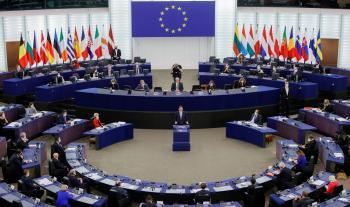 المفوضية الأوروبية : سنرد على حكم بولندي يتحدى سيادة قانون الاتحاد