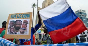 هل تنتقل مالي من النفوذ الفرنسي إلى الروسي؟