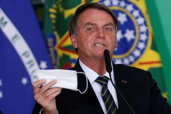 تقرير برازيلي يطالب باتهام الرئيس بالقتل بسبب «أخطاء كورونا»