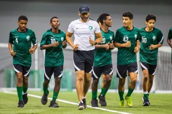 الأخضر تحت 17 يختتم معسكره بودية قطر