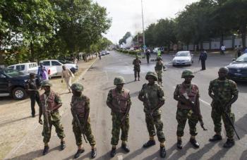 النيجر .. مقتل 12 جنديا في هجوم إرهابي على موكب مسؤول