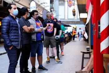 رفع إغلاق كورونا السادس عن ملبورن الأسترالية