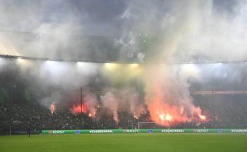 الشرطة الهولندية تلقي القبض على 75 مشجعا على هامش مباراة فينورد أمام يونيون برلين