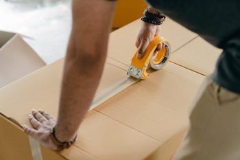 نظام البريد.. حظر إرسال أو نقل أي مادة بريدية تمس سمعة الدولة : عاجل