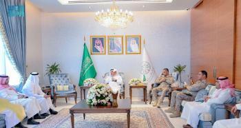مساعد وزير الدفاع يزور الملحقية العسكرية في أبوظبي