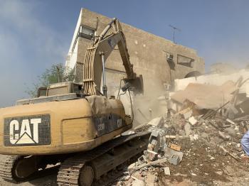 جدة .. استئناف أعمال إزالة المباني العشوائية بـ غليل وبترومين