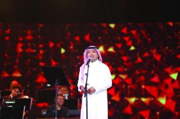 مفاجأة من الماجد لجمهوره على مسرح الدانة بالبحرين