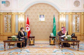 ولي العهد يلتقي رئيسة حكومة تونس ويبحثا مبادرات البيئة