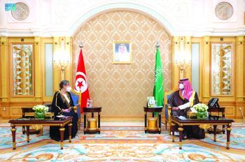 .. ويبحث مبادرتي الشرق الأوسط والسعودية الخضراء مع رئيس الحكومة التونسية